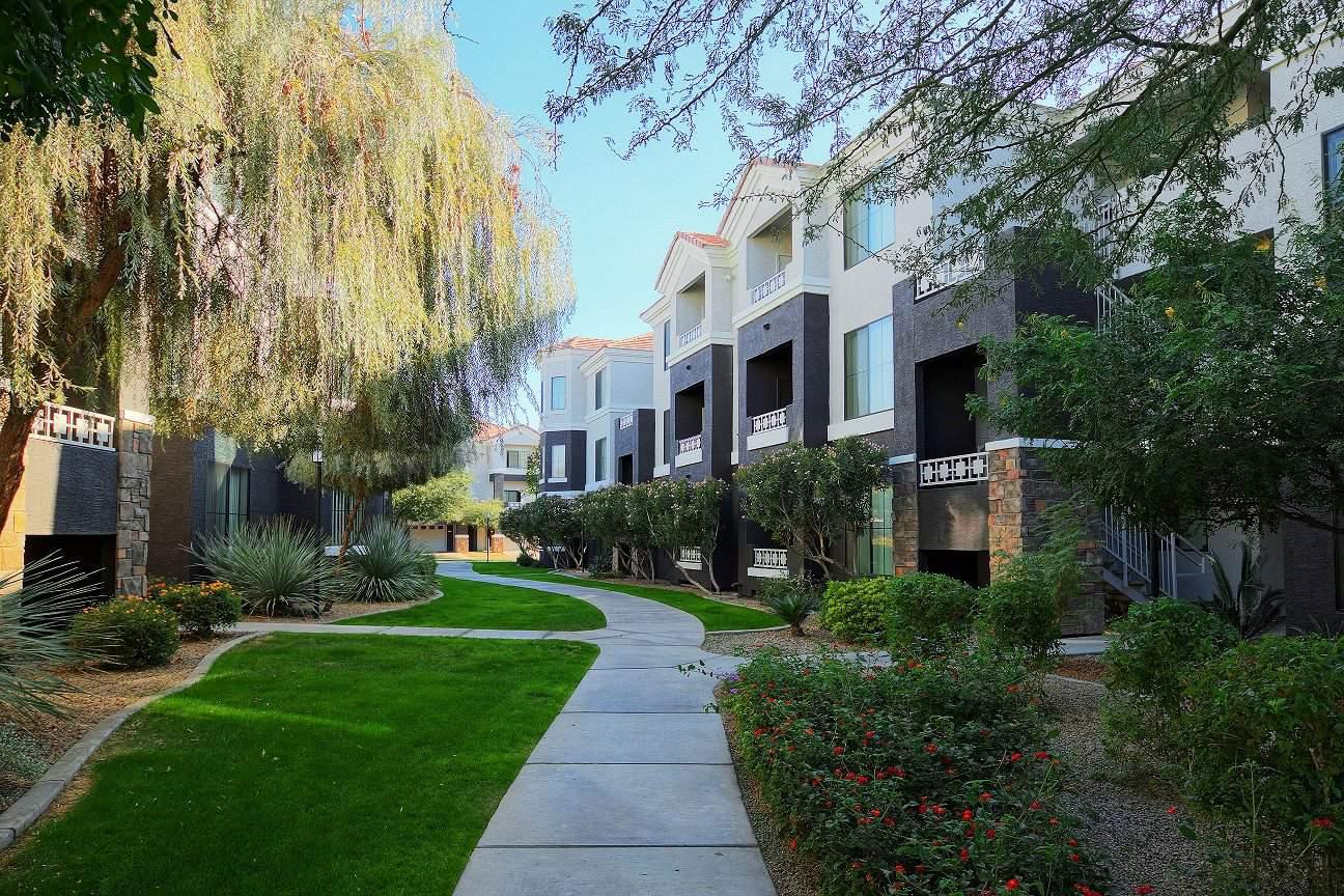 Pet Friendly Apartments in Peoria AZ